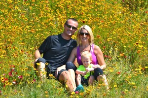 Sitting in fields of flowers in Bend, Oregon | www.drnicolemeastman.com #Bend #Oregon #family #flowers